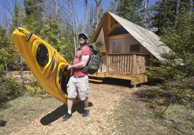 man with Kyak at Rosedale cabin